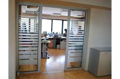 Izdaje se poslovni prostor na Grbavici  kvadrature 304 m2.