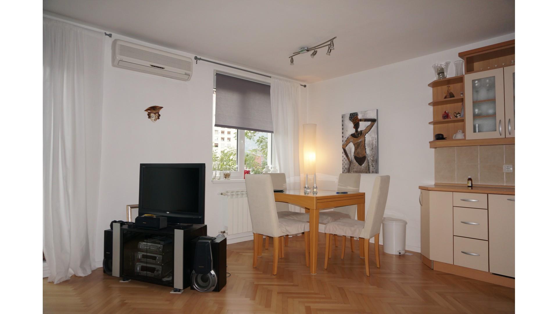 Lijep stan u centru grada 55 m2