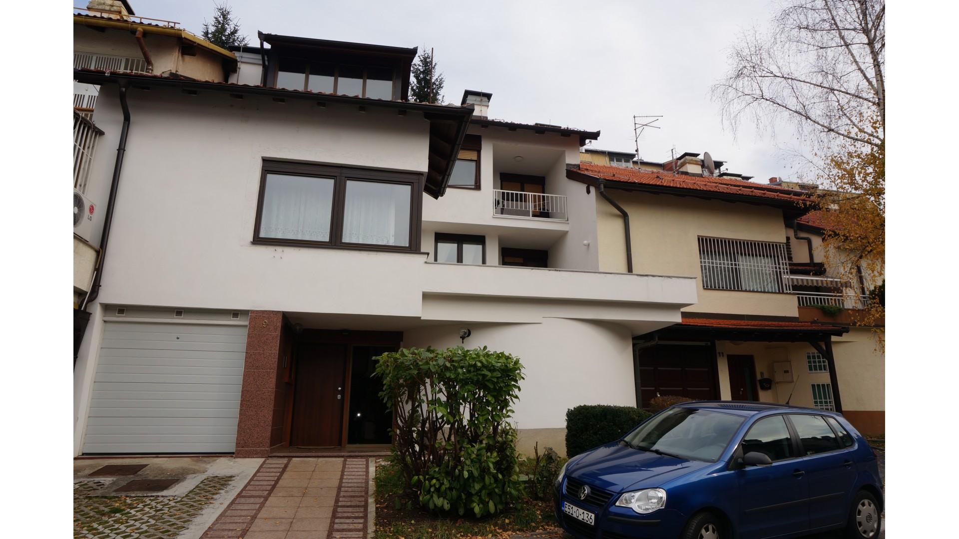 Kuća/Centar/Breka/250 m2