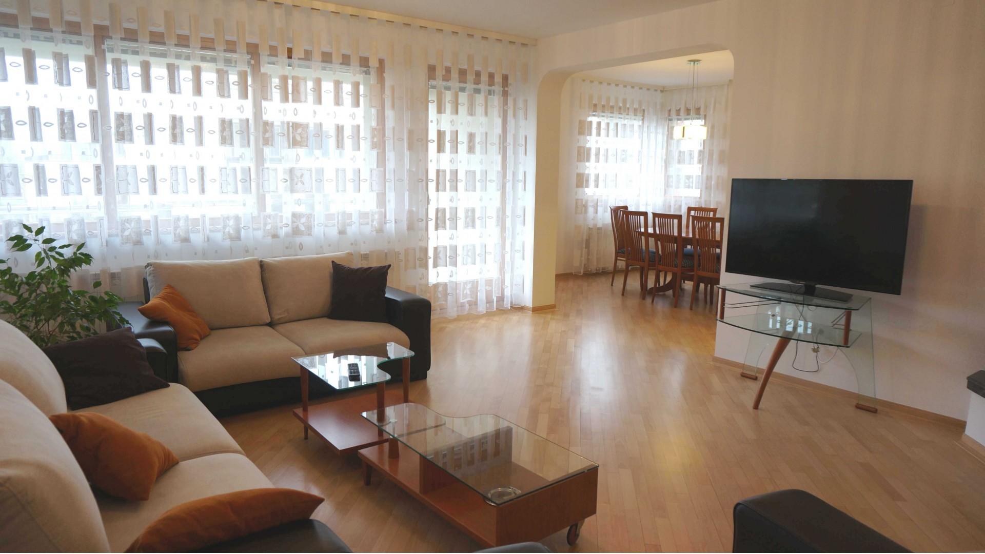 Luksuzan/ Četverosoban/ Grbavica/ 160 m2