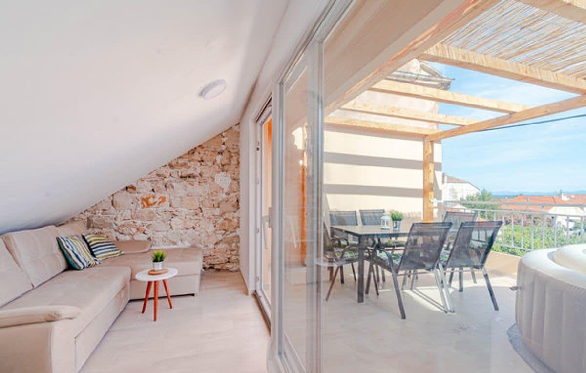 Kuća/ Orebić/ 50 m do mora/ 80 m2/ 10 m2 terase