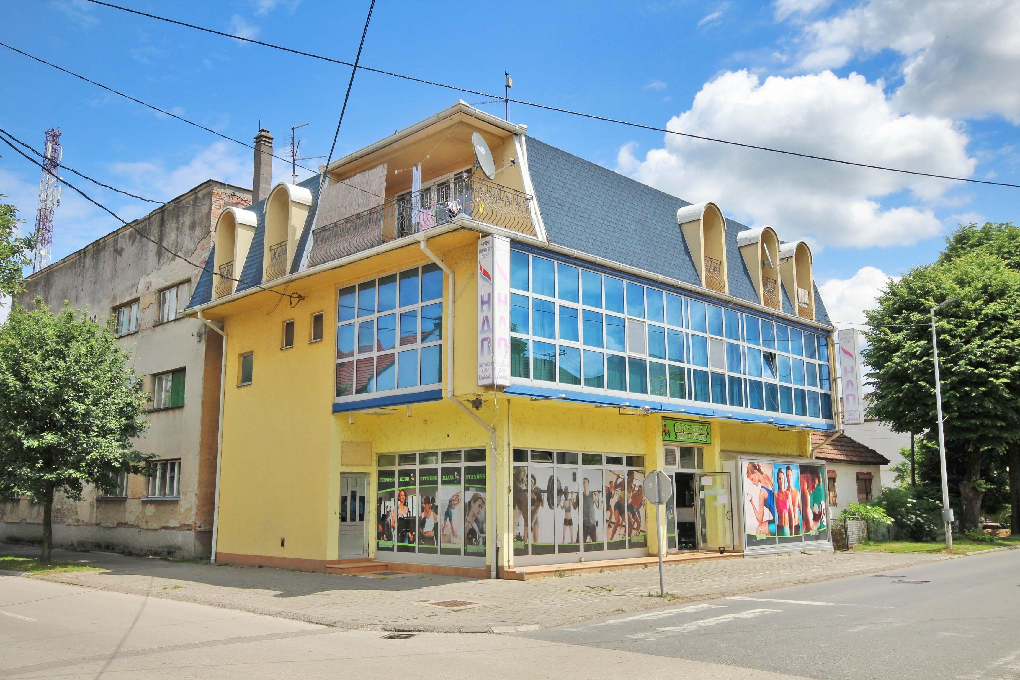 Poslovna Zgrada/ Šamac/ 480 m2